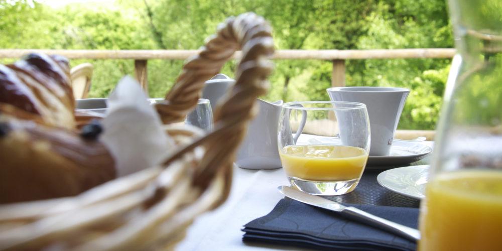 Petit déjeuner au restaurant du Golf à Souillac en Vallée de la Dordogne
